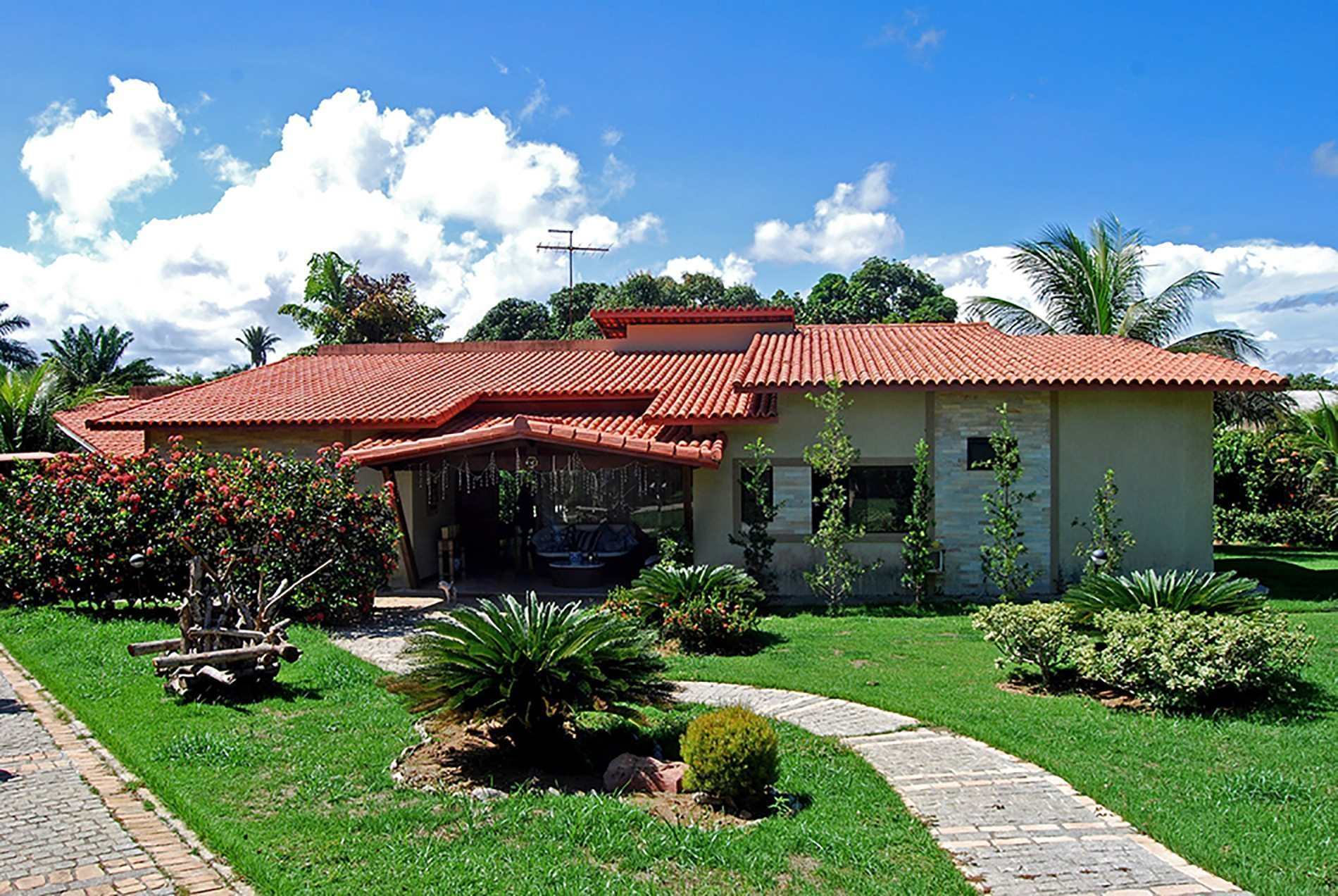 House with pool for sale in Encontro das Águas