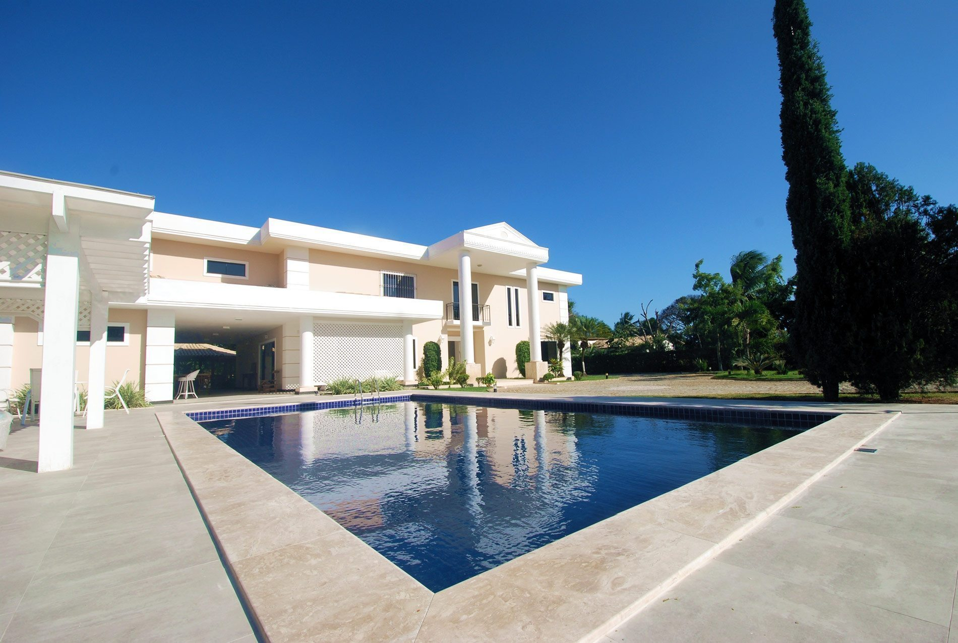 Elegant home for sale in Encontro das Águas