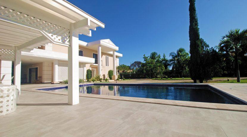 Elegante casa à venda Encontro das Águas