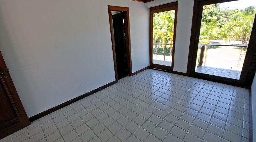 espacosa-casa-a-venda-no-encontro-das-aguas-34
