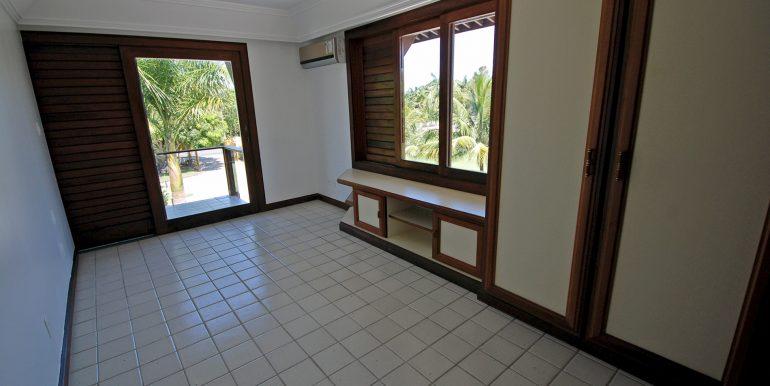 espacosa-casa-a-venda-no-encontro-das-aguas-36