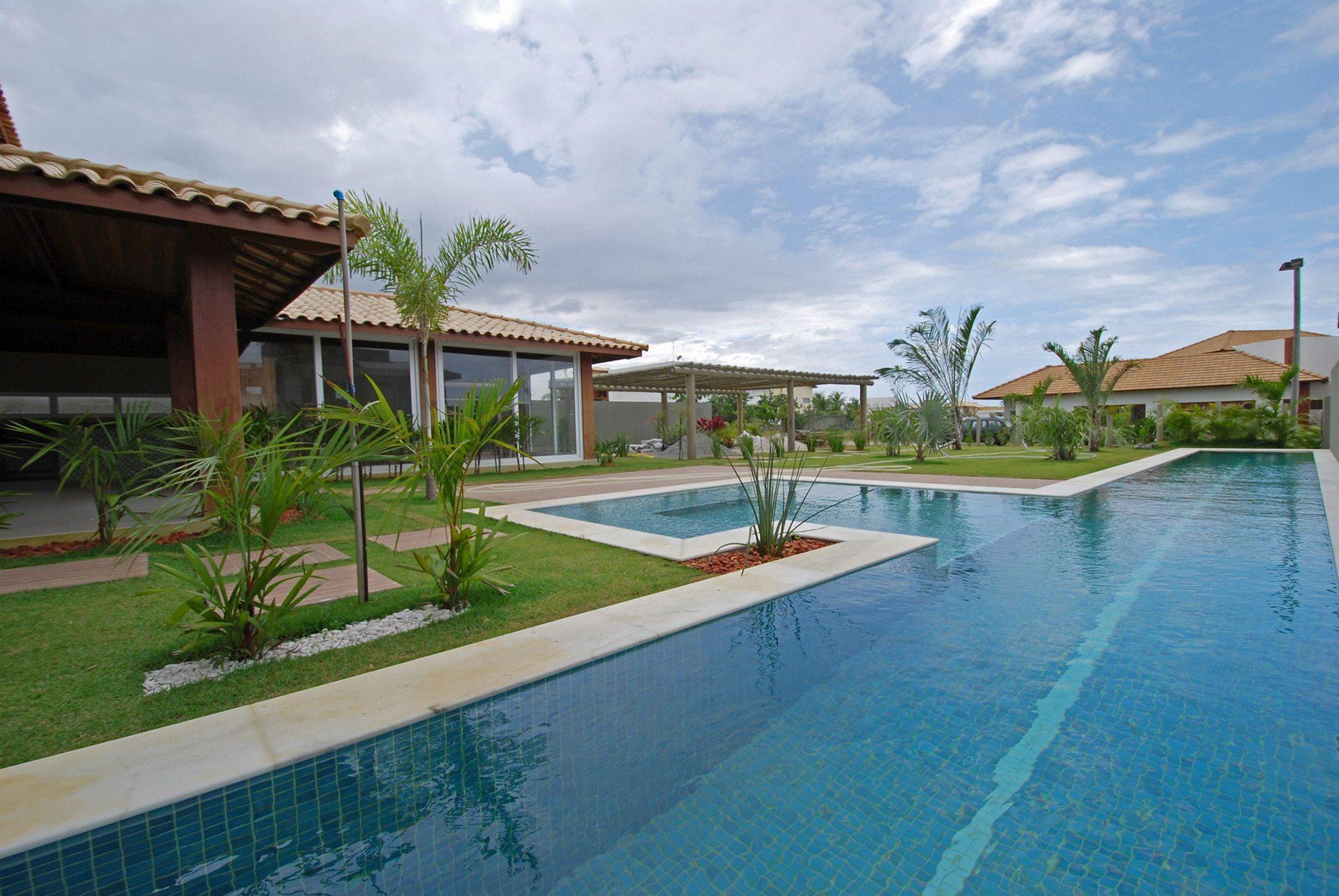 casa com piscina a venda em busca vida hansen im veis