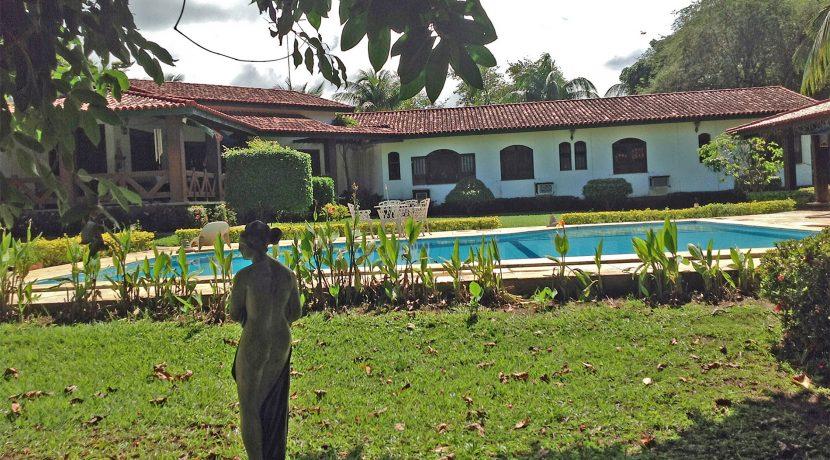 Maravilhosa casa a venda no Encontro das Águas