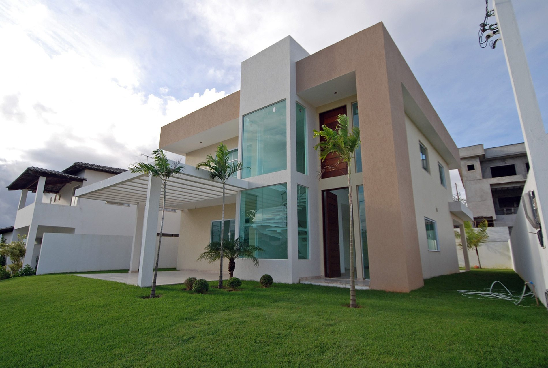 Modern and new home for sales in Alphaville Litoral Norte