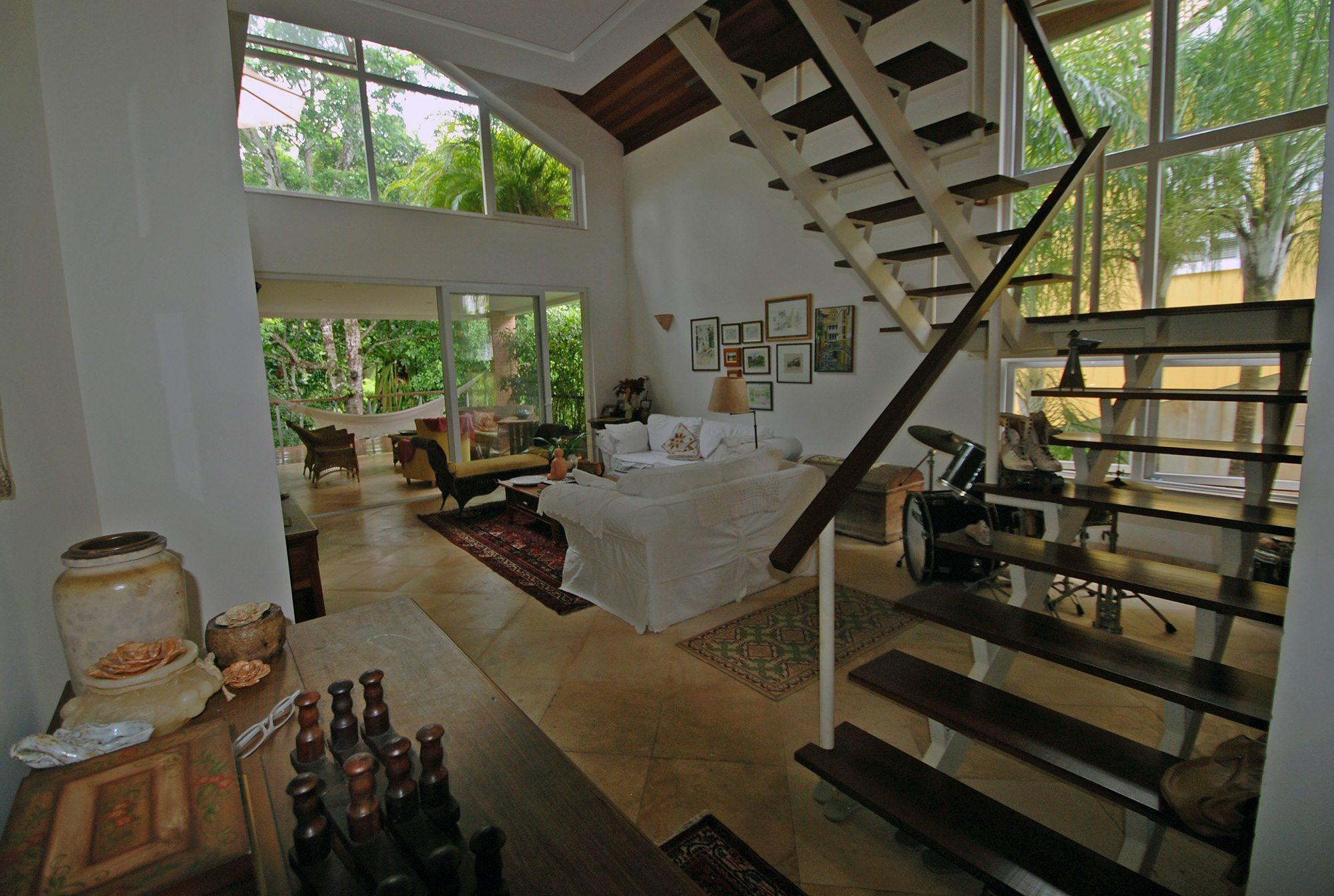 Gran casa rústica y moderna a la venta en Alphaville Paralela ...