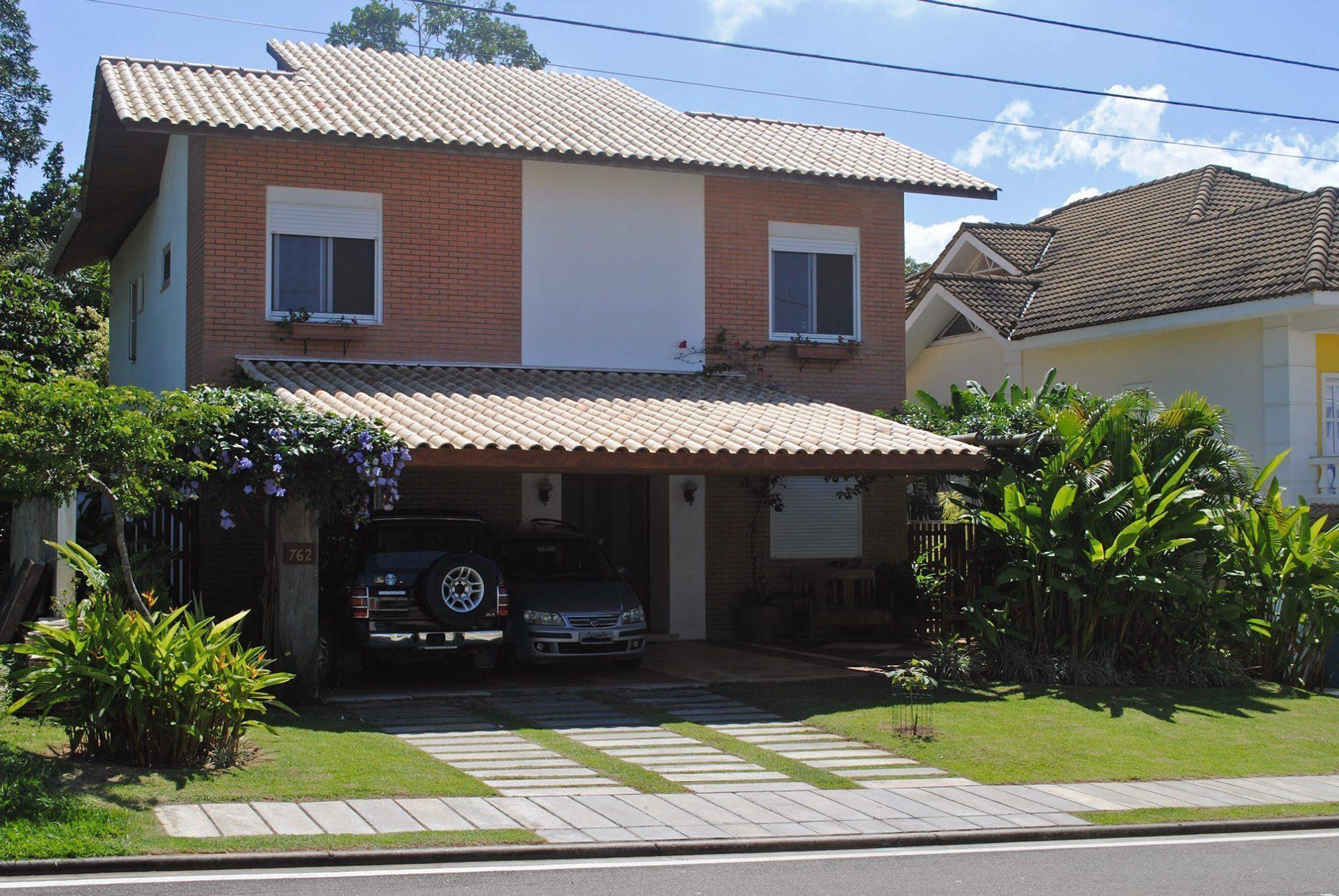 Casa moderno in vendita a alphaville paralela hansen im veis for Piani casa 3 camere da letto e garage doppio