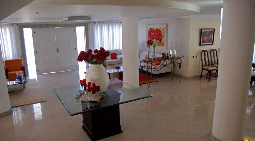 Sofisticada casa a venda condomínio Encontro das Águas