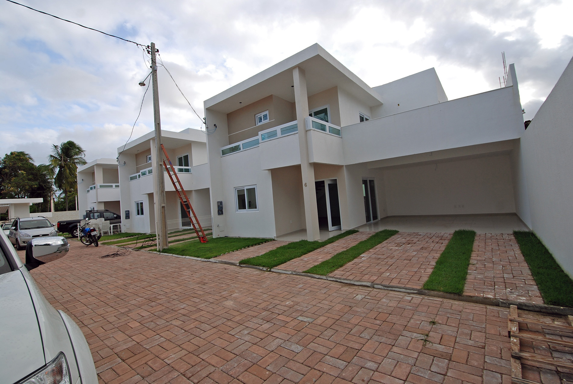 Attractive New House For Sale In Buraquinho 600 M From The Beach
