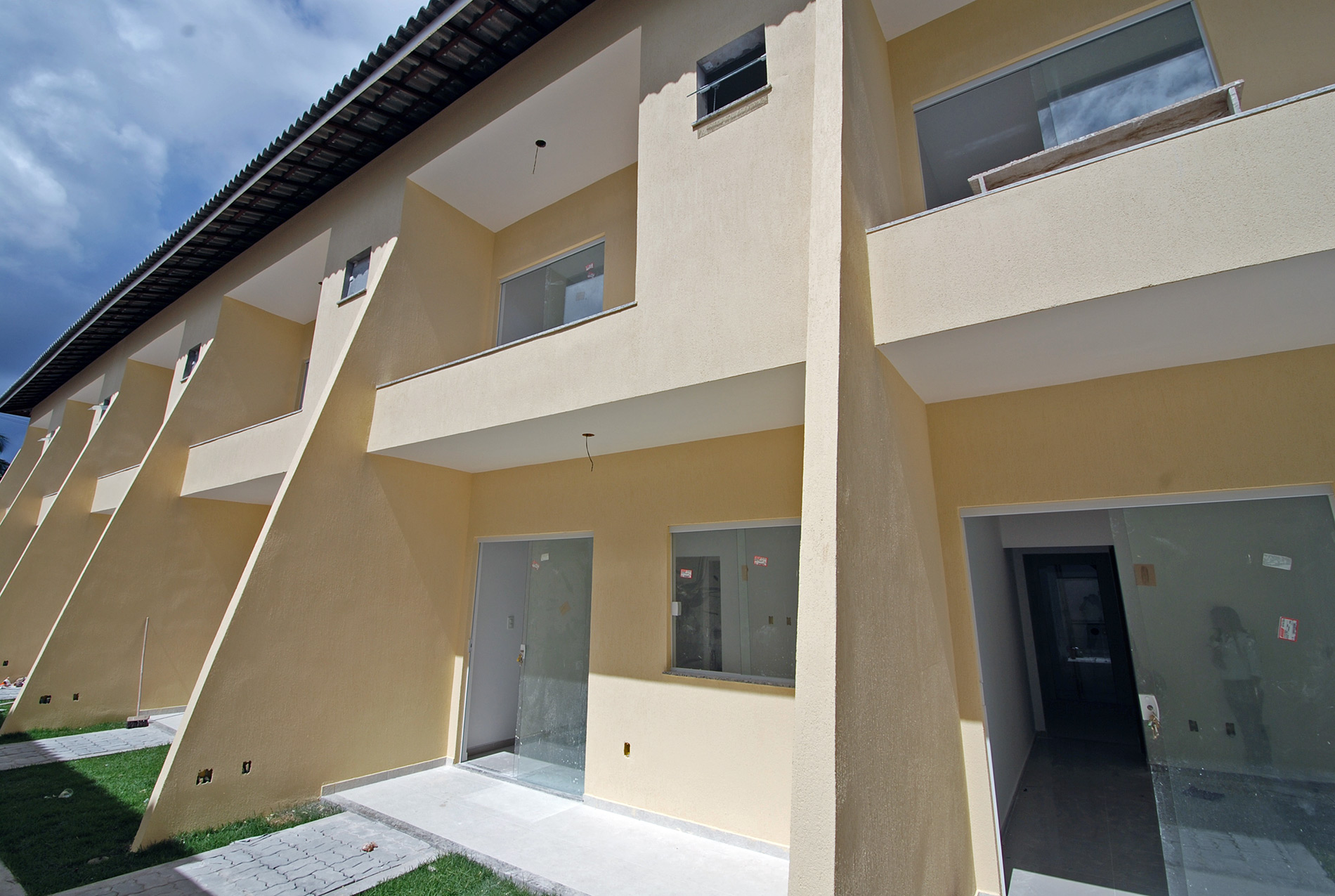 Duplex house for sale in Lauro de Freitas