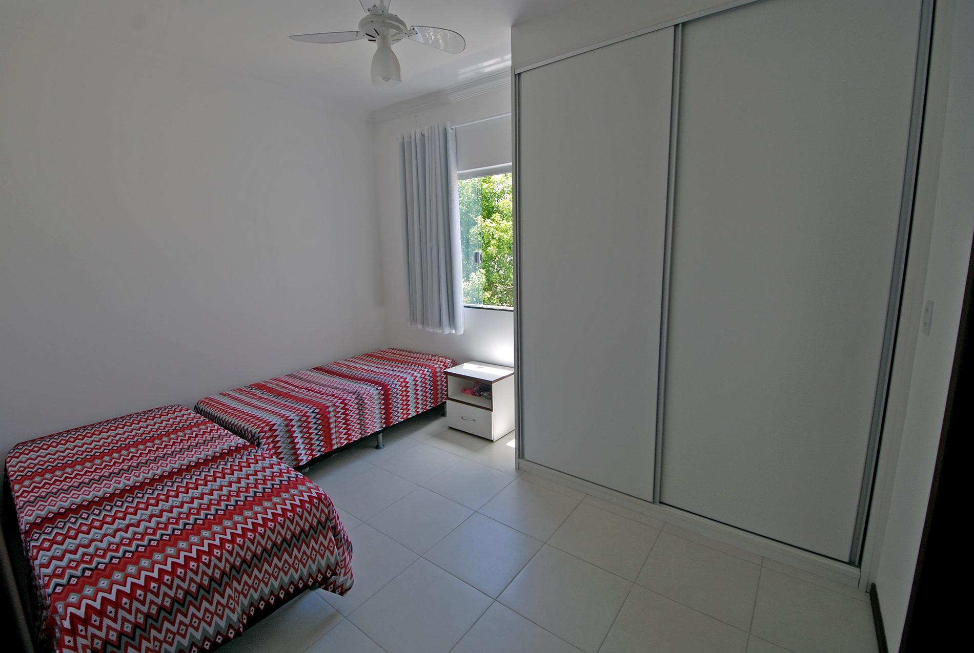 Case in vendita vicino alla spiaggia in ipitanga hansen for Casa con 6 camere da letto in vendita vicino a me