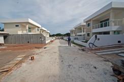 Casas de 4 suites à venda em Buraquinho-1