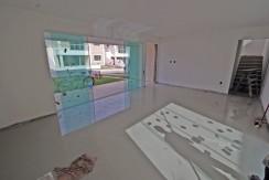 Casas de 4 suites à venda em Buraquinho-11