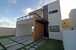 Casa em frente a praia à venda em Ipitanga
