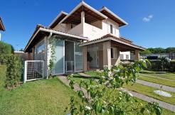 Casa moderna à venda em Catu de Abrantes - Camaçari