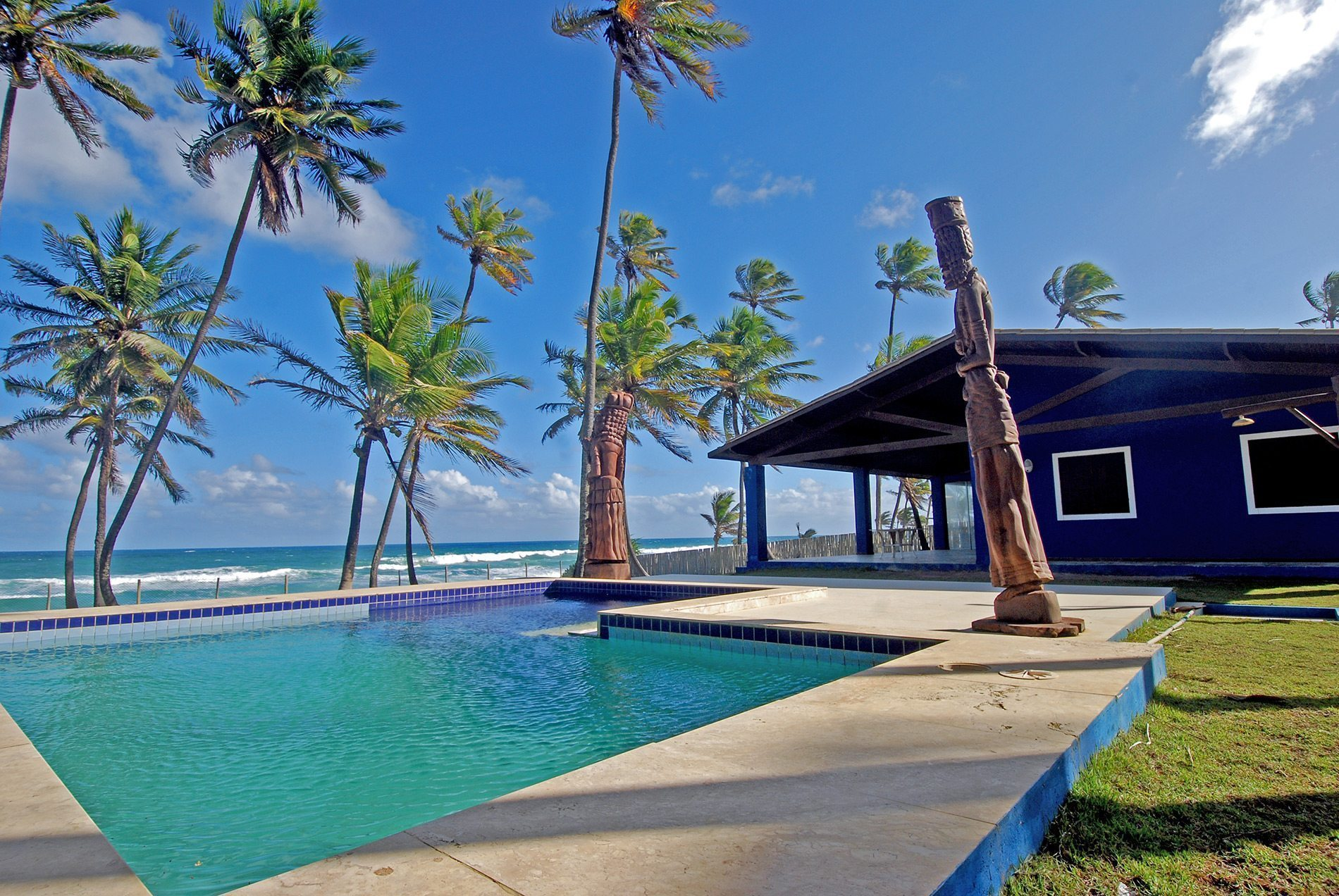 Oceanfront home for sale Busca Vida