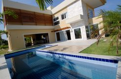 Luxuosa casa a venda Paraíso dos Lagos Guarajuba
