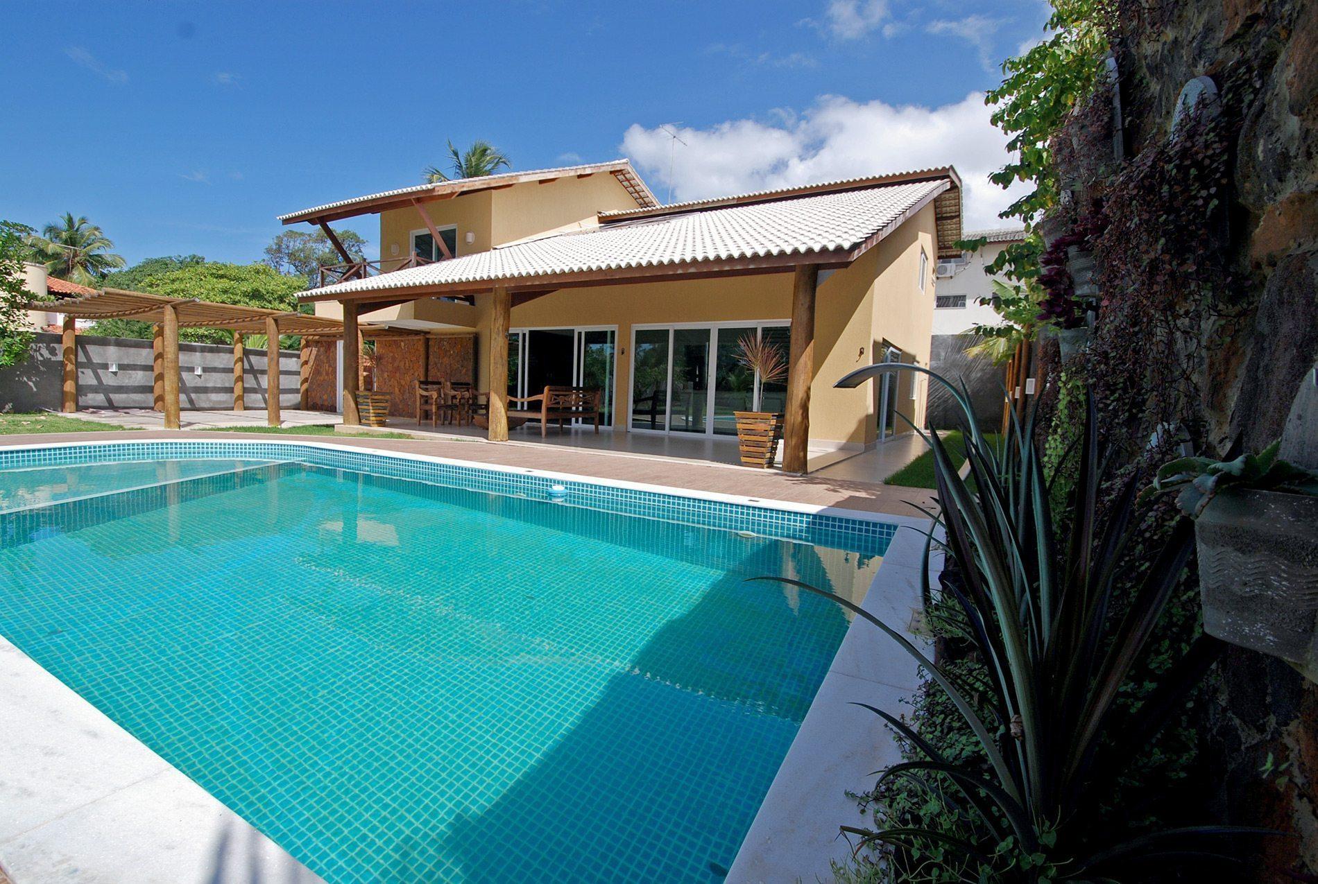 House for sale near the beach Itacimirim