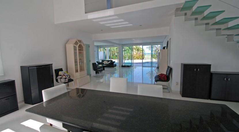 casa-a-venda-na-frente-da-praia-em-itacimirim-21