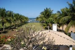 casa-a-venda-na-frente-da-praia-em-itacimirim-4