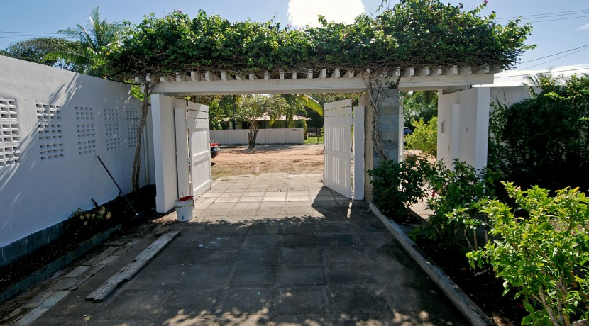 casa-a-venda-na-frente-da-praia-em-itacimirim-46