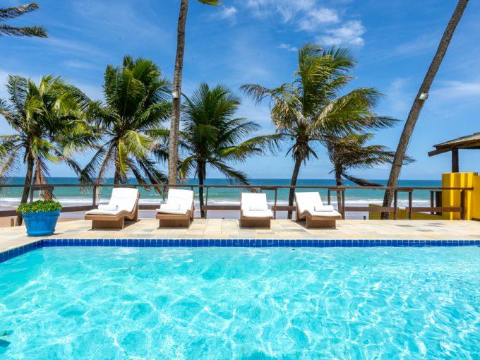 Casa de frente pra praia a venda em Busca Vida