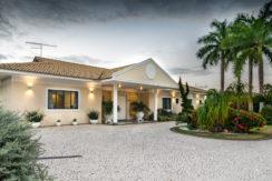 Casa luxuosa à venda no condomínio Encontro das Águas-12