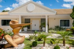 Casa luxuosa à venda no condomínio Encontro das Águas-17