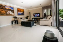 Casa luxuosa à venda no condomínio Encontro das Águas-23