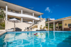 Casa luxuosa à venda no condomínio Encontro das Águas-29