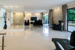 Casa luxuosa à venda no condomínio Encontro das Águas-3