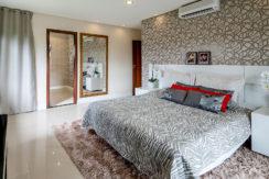 Casa luxuosa à venda no condomínio Encontro das Águas-30