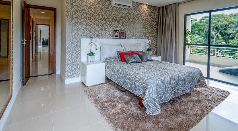Casa luxuosa à venda no condomínio Encontro das Águas-31