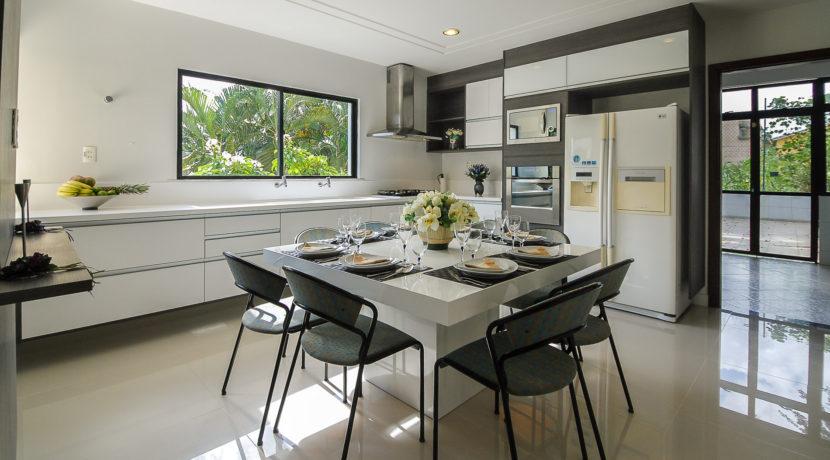 Casa luxuosa à venda no condomínio Encontro das Águas-33