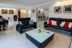 Casa luxuosa à venda no condomínio Encontro das Águas-4