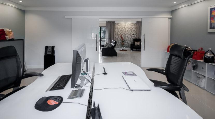 Casa luxuosa à venda no condomínio Encontro das Águas-9
