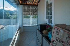 Casa com piscina a venda em Ipitanga-10