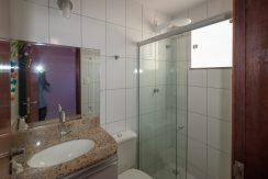 Casa com piscina a venda em Ipitanga-13