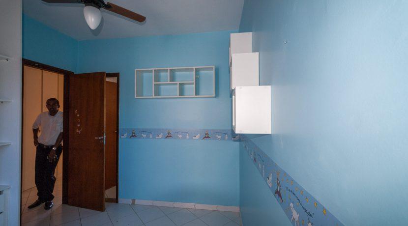 Casa com piscina a venda em Ipitanga-14