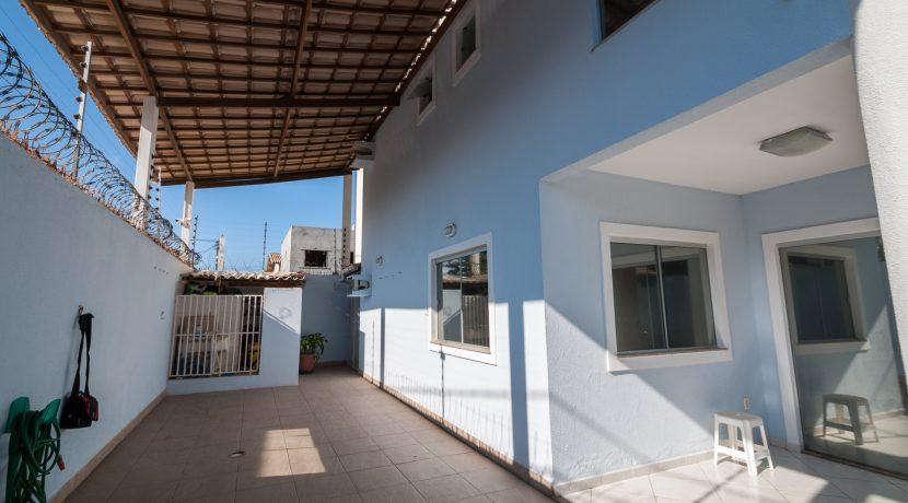 Casa com piscina a venda em Ipitanga-2