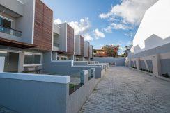 Casa duplex a venda em Ipitanga