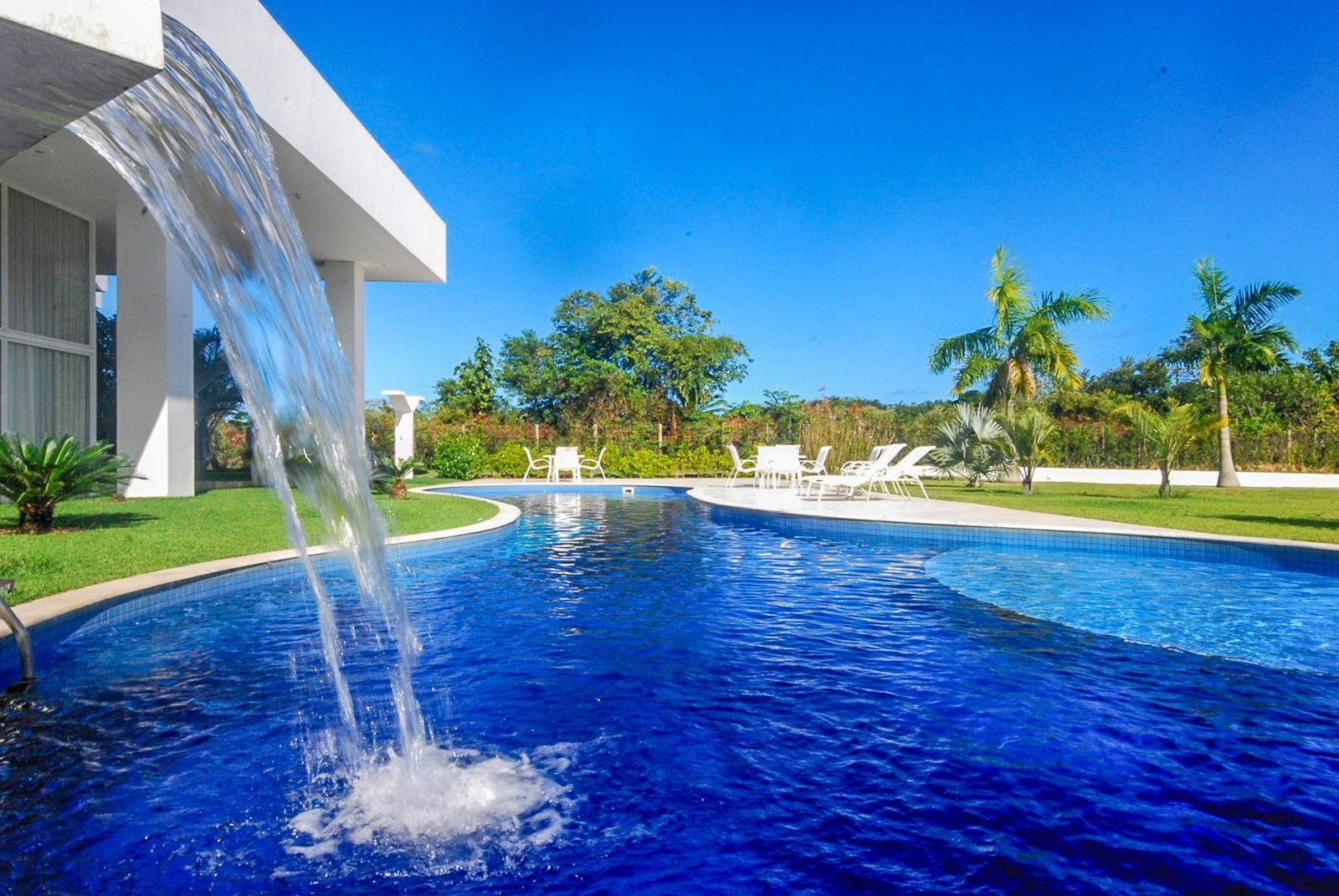 Mansion for sale in condo Encontro das Aguas