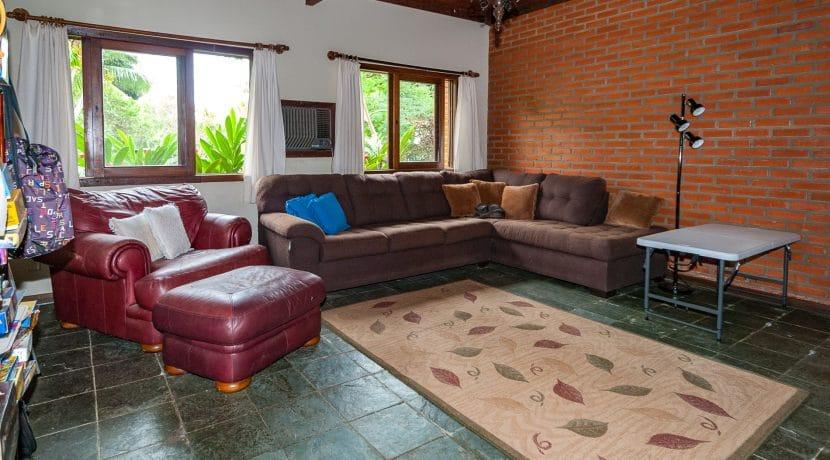 Linda casa rústica a venda Encontro das Aguas-25