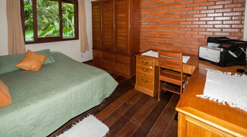Linda casa rústica a venda Encontro das Aguas-35