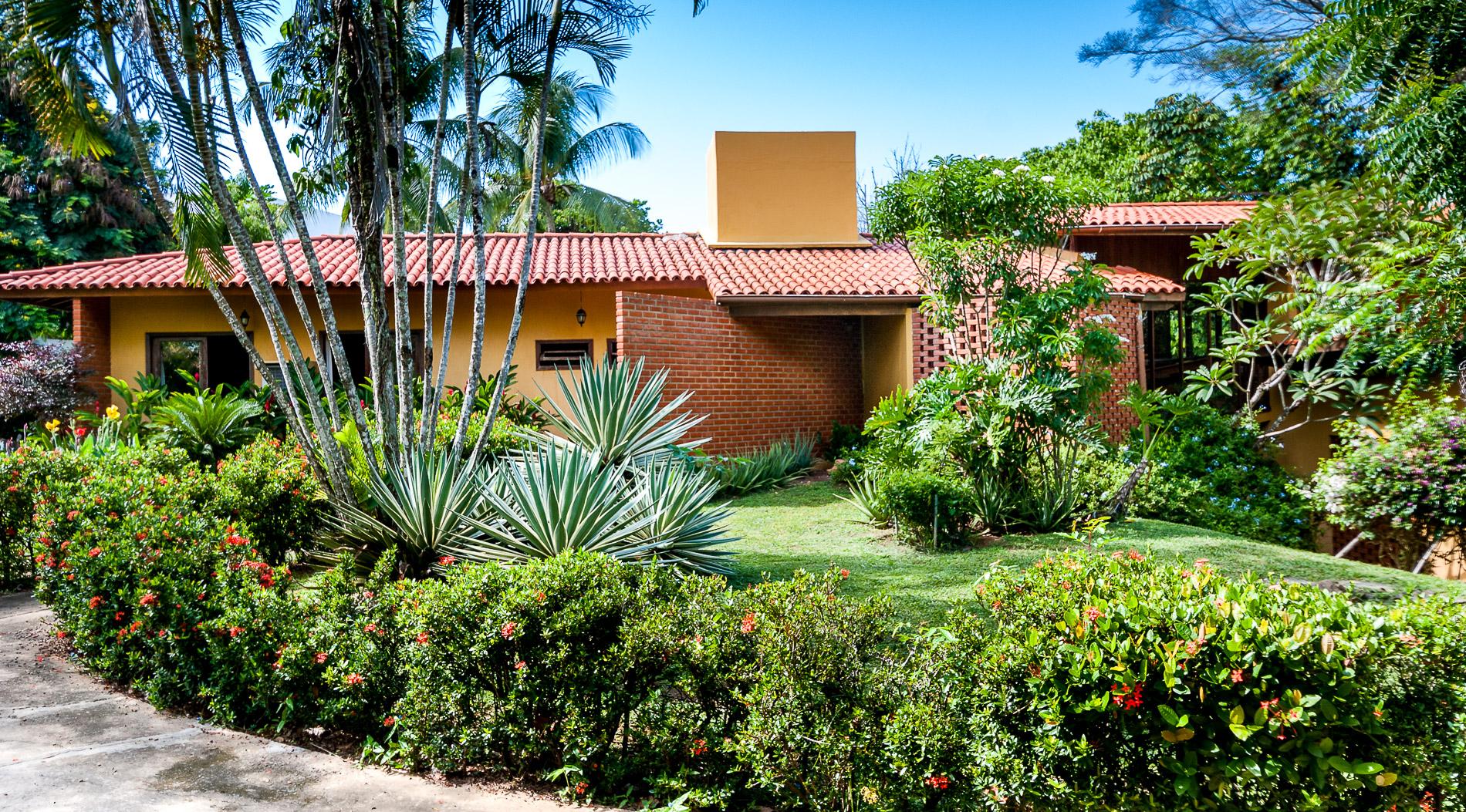Beautiful rustic home for sale Encontro das Aguas