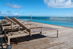 Apartamento de frente para o mar na melhor localização na Barra