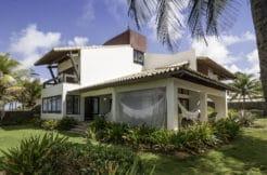 Casa em frente a praia a venda no condomínio Interlagos