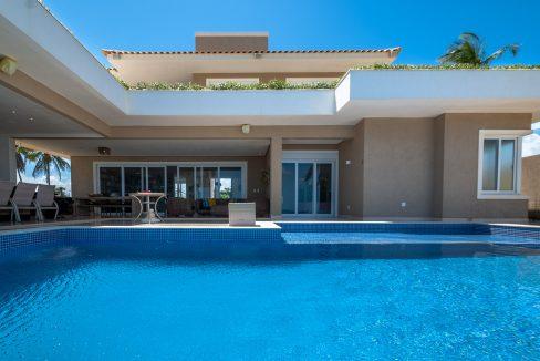 Excelente casa de luxo frente mar em Jacuípe