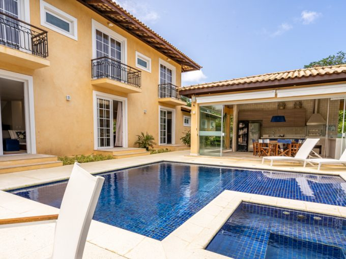 Luxury home for sale Quinta da Lagoa in Itacimirim