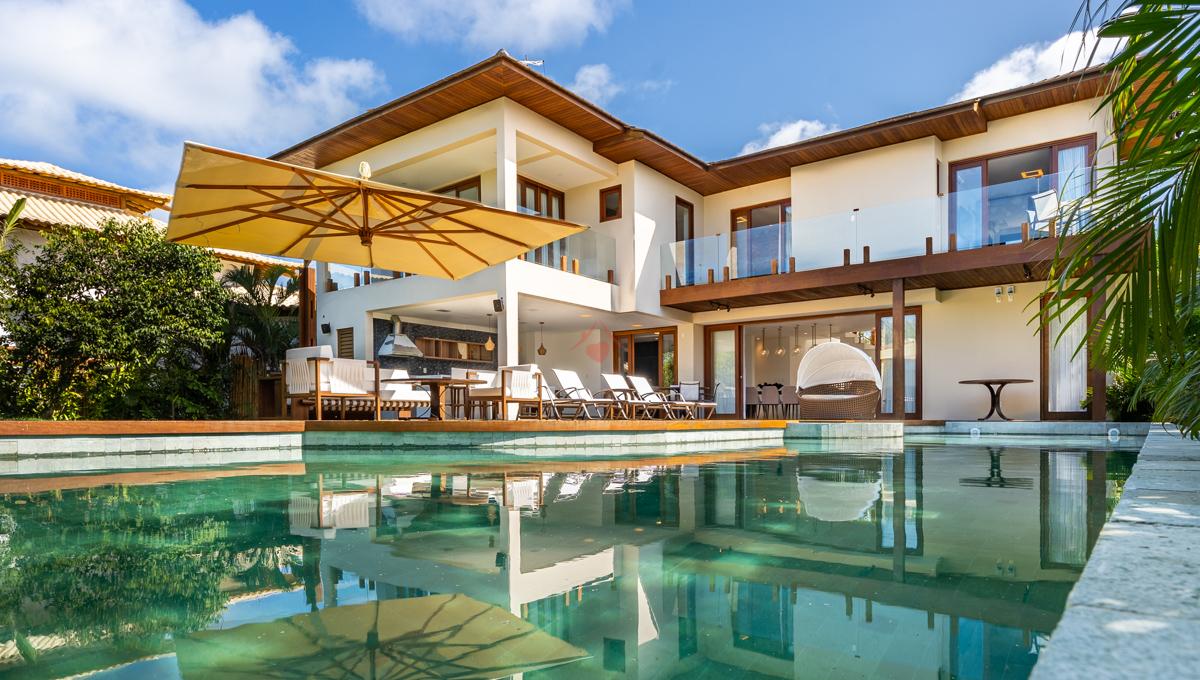 Nova casa de luxo para aluguel na Praia do Forte